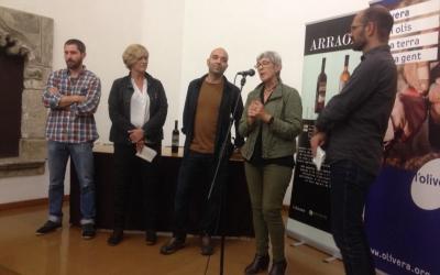 Martínez, Berlanga i Serracant amb els responsables de l'Olivera. Foto: Ràdio Sabadell.