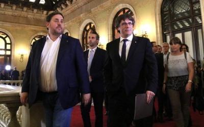 Puigdemont i Junqueras entrant a l'hemicicle | ACN