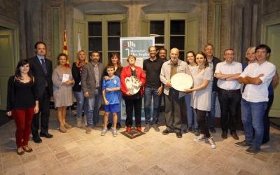 Imatge dels guardonats amb les autoritats, membres del jurat i les seves famílies/ Ajuntament- Juanma Peláez
