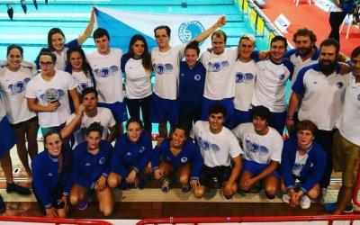 Fotografia de família del Club Natació Sabadell a l'Estatal