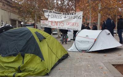 Acampada de la Policia Municipal davant la Prefactura | Pau Duran