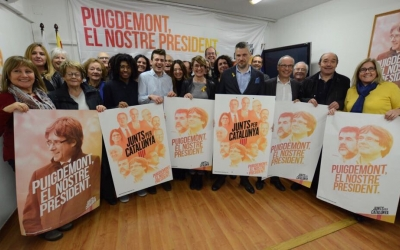 Seu del PDeCAT Sabadell amb els candidats sabadellencs del 21-D, Lourdes Ciuró i Alex Fenoll | Foto: Roger Benet