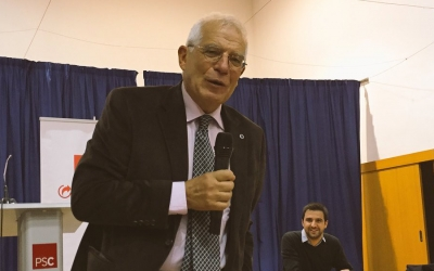Josep Borrell i Pol Gibert durant l'acte. | Foto: Ràdio Sabadell