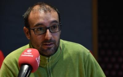 Alberto Capitàn, director d'Actua Vallès, durant l'entrevista a Ràdio Sabadell | Roger Benet