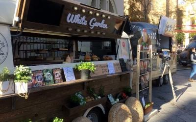 Una desena de food trucks ocupen aquests dies la plaça Doctor Robert/Cedida
