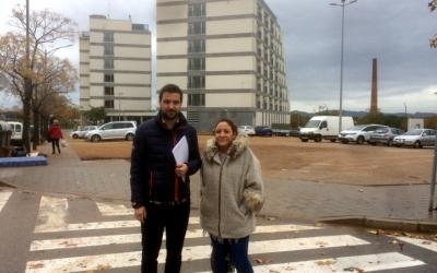 El número 11 a la llista del PSC, Pol Gibert, ha reclamat la construcció d'una residència pública al carrer Diego de Almagro.