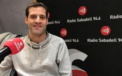 Jordi Fernández als estudis de Ràdio Sabadell