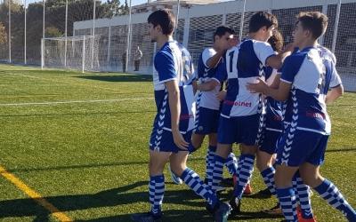 Els jugadors del Sabadell B celebren un dels gols d'ahir