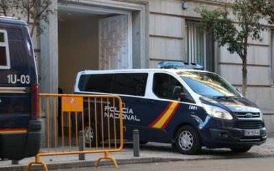 La Policia Nacional ha traslladat Cuixart i Sánchez des dels calabossos de l'Audiència Nacional al Suprem per declarar.