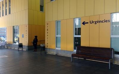 Exterior del servei d'Urgències del Taulí/ Karen Madrid