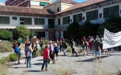 Volem la Caserna ocupa la finca des del mes de juny/ Arxiu Ràdio Sabadell