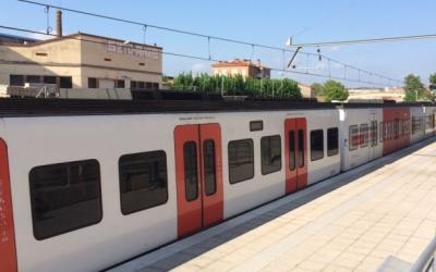 Un dels combois antics de Ferrocarrils a la línia del Vallès   Xavi Miralles