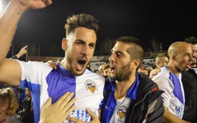 Yeray Sabariego celebrant la Copa Catalunya aconseguida la temporada 2015-2016 contra el Barça B | Roger Benet