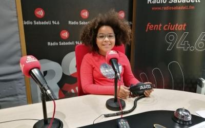 La Yara Boa als estudis de Ràdio Sabadell | Clàudia Martínez
