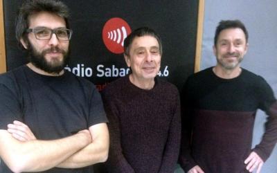 Roviras (dreta) i Castellet (esquerra) als estudis de Ràdio Sabadell/ Raquel Garcia