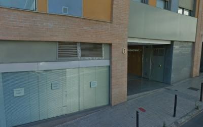El cos de la víctima ha estat trobat al seu domicili, al carrer Ausiàs Marc de Terrassa.