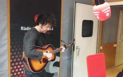 Carlos Cros a l'estudi de Ràdio Sabadell | Pau Duran