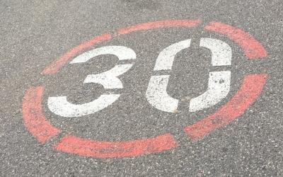 La velocitat màxima fixada al barri de Gràcia és de 30 km/h