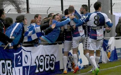 Celebració del gol de Pol Moreno ahir a Peralada | Críspulo Díaz