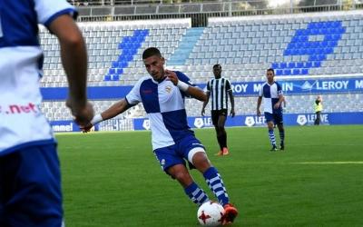 Dani Gómez en el duel de la primera volta contra el Peralada   Crsipulo D.