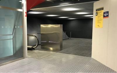 L'estació dels FGC de Plaça Major està en obres per instal·lar-hi un altre ascensor. Foto: Roger Benet