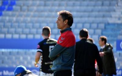 Toni Seligrat pensatiu abans de començar el partit | Críspulo D.