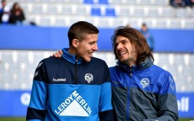 Víctor Martínez somrient amb Migue Garcia | Crispulo D.