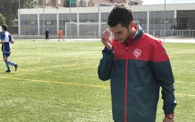 Carlos López dirigint el filial arlequinat a Olímpia | Adrián Arroyo