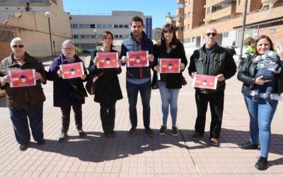 El PSC ha reclamat la igualtat de les dones des de la plaça Dolors Miralles. Foto: Roger Benet