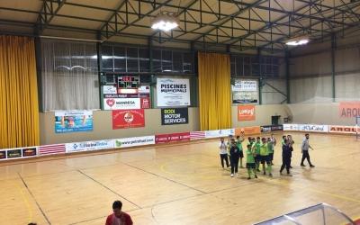 Els jugadors de la Pia aplaudeixen a l'afició manresana al final del partit | @futsalpia