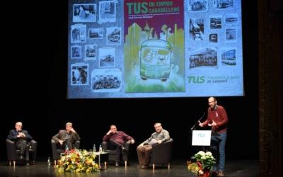 Els oradors a dalt de l'escenari | Roger Benet