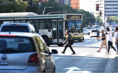 Els autobusos de la ciutat han circulat amb normalitat durant tot el dia. Foto: Roger Benet