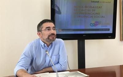 El regidor d'Acció Social, Gabriel Fernàndez, ha presentat els canvis en el càlcul de la prestació d'urgència.