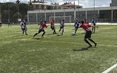 Xavier Cencillo, del juvenil, en el partit contra el Castellar del filial | Roger Benet