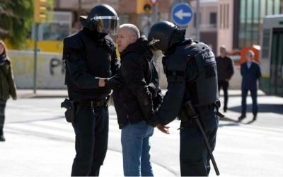 Moment de la detenció ahir d'en Santi Rosell | Roger Benet