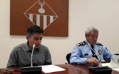 Perarnau i Quesada fet públic avui el decret del calendari de la Policia Municipal/ Karen Madrid