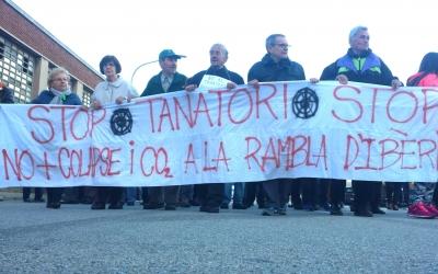 Concentració a la Rambla Ibèria contra el tanatori | Pau Duran