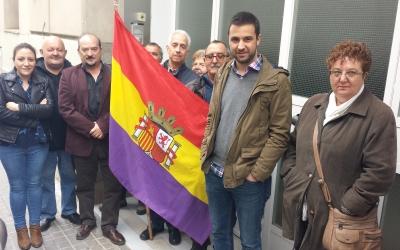 Militants socialistes davant el Cercle Republicà Federal | Pau Duran