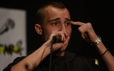 Elgio durant un acte a Can Capablanca | Roger Benet