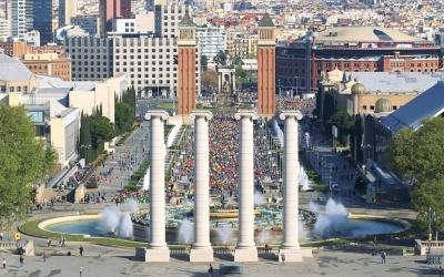 La cursa 2017 passant per les torres venecianes de Plaça Espanya | Cursa ECI
