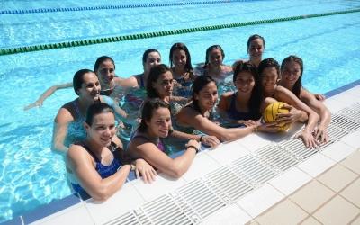 L'equip del CNS de waterpolo femení a les portes d'una nova Final Four   Roger Benet