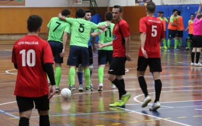 Els jugadors de la Pia celebren un dels 5 gols aconseguits contra el Pallejà | Adrián Arroyo
