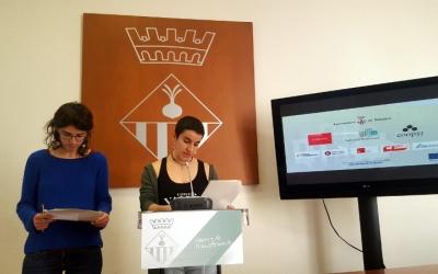 Lali Daví i Glòria Rubio durant la presentació del projecte d'habitatge cooperatiu