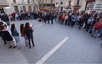La plaça Sant Roc durant la concentració de Vallès Feminista | Roger Benet