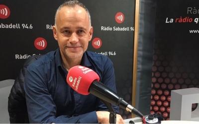 Enric Sapés als estudis de Ràdio Sabadell   Mireia Sans