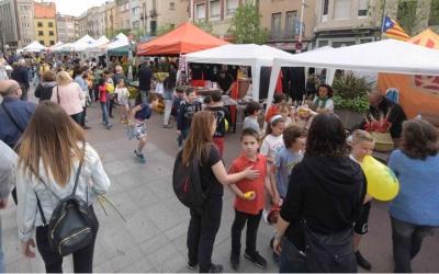 El Passeig és el punt neuràlgic de la celebració de Sant Jordi/ Roger Benet