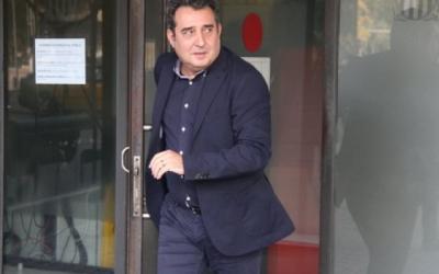 Manuel Bustos sortint dels Jutjats de Sabadell | Arxiu