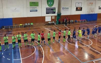 Pol Viada, amb el dorsal 16, amb la resta de companys en la presentació del partit | @futsalpia