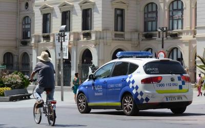 Una patrulla de policies municipals al racó del Campanar| Roger Benet
