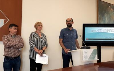 Serracant, Martínez i el regidor Lluís Perarnau han presentat avui els tres plans/ Karen Madrid
